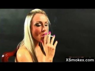 صدم الساخنة مجنون الجبهة مذهل التدخين