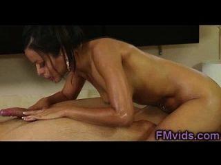مذهلة امرأة سمراء حمام اللعنة