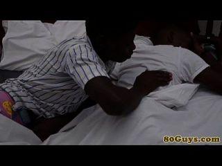 مثلي الجنس القبلية الأفريقية الحلق العميق الدورة
