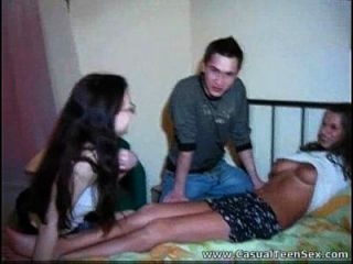 الثلاثي مع جنسي الجيران زفيدوسكوم