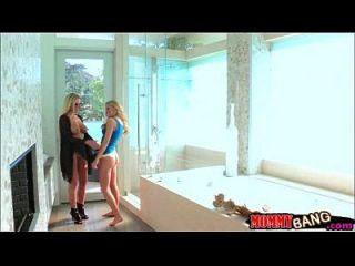 في سن المراهقة فتاة جايسا رودس و كبير الثدي ستيبوم جنيفر أفضل مجموعة من ثلاثة أشخاص
