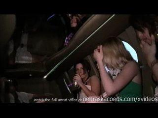الطرف الفتيات الحصول على عارية في ليمو على الربيع كسر جنوب بادري تكساس