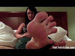 مص على أصابع قدمي مثل صبي قدم قليلا جيدة