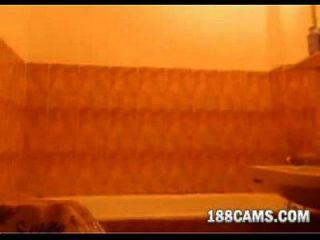 أحمر الشعر أخذ حمام 188cams.com