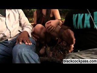 سمراء الشباب يلتقي مع البلطجية السوداء