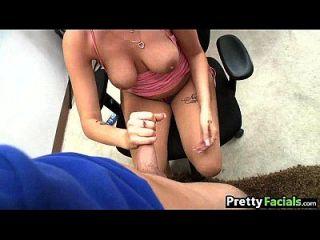 كبير الثدي فتاة نيلا جاي يحصل ل تجميل الوجه 1 2.3