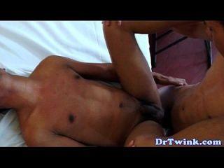 مثلي الجنس الطبيب الآسيوية كومز بعد سخيف الحمار