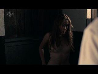 شارلوت سبنسر عاري الصدر و الجنس \u0026 نداش؛ الغراء (2014) s1e5 hd720p