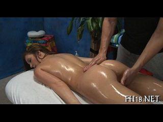 لها ثقوب مارس الجنس