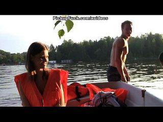 ثلاثة رجال في قارب (أن أقول شيئا عن التقاط فتاة) المشهد 2