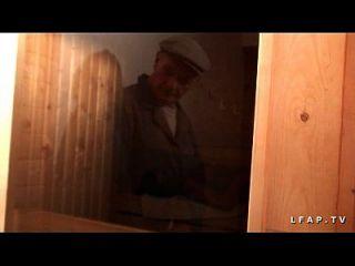 ليبرتين فرانكيس سودوميسي أو ساونا دانز أون خطة ل 3 أفيك بابي بصاصة