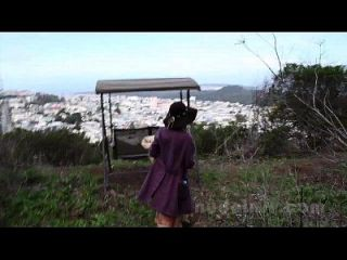 عارية في سان فرانسيسكو: روزاليند يستمني ولعب في الأماكن العامة