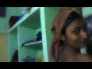 سواتي نايدو تظهر لها اللباس تغيير الغرفة الخاصة