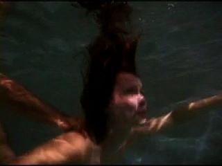 اللعنة تحت الماء