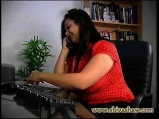 ديسي أقرن أونتي هاتف دردشة مع حبيب مع قذر هندي صوت