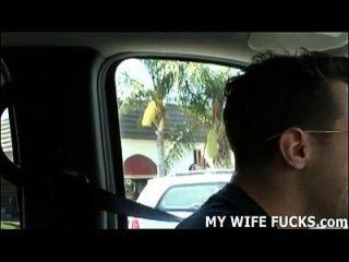 كيف يشعرون بمشاهدة شخص غريب يحرم زوجتك