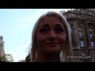 شقراء الروسية ممرضة امتص و مارس الجنس في جمهور
