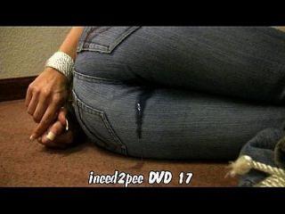 ineed2pee مقطورة 12 الفتيات التبول الجينز السراويل سراويل