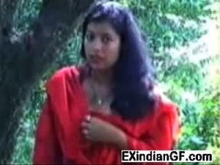 الهندي الكلبة وامض لها الثدي و تهب الديك