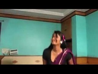 دعوة الصبي سواتي نيدو أحدث رومانسية التيلجو فيلم قصير MP4