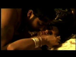 هندي زوجان رومانسي سخيف جلسة في شهر العسل