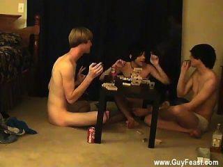 سخيف مثلي الجنس مزرعة هذا هو الفيديو الطويل بالنسبة لك المتلصص أنواع الذين