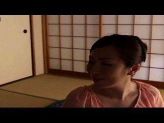 قصة عن أمي اليابانية مع ابن وصديقه في المنزل، محلية الصنع هيدن كام