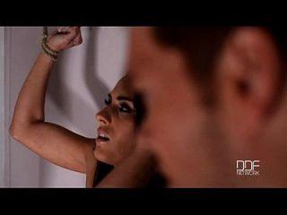 مييا ميلون يحصل ملزمة و مارس الجنس من قبل سادة لها. الجزء 1