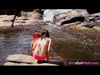 الفتيات من الغرب الاسترالي مثليه فاتنة إعطاء ريمجوب لبعضها البعض