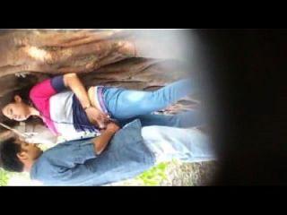الجنس مفتوحة المطلوبة في حديقة كولكاتا