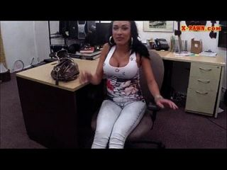 بوبي اتينا تبيع لها الهواتف المحمولة و مارس الجنس في ال بونشوب