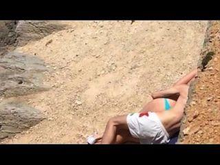 الجنس على الشاطئ