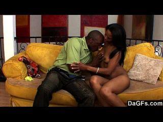 ستيمي أسود زوجان سخيف على ال أريكة