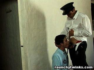 بريئة طرفة عين خبطت من قبل الحرس