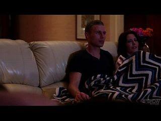 جينا j روس جيتس مارس الجنس بواسطة لها صديقة في منزل قادم، مشهد # 02