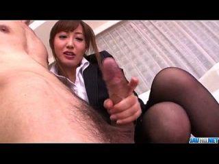 مامي أساكورا مكتب مغامرة مع رئيسها