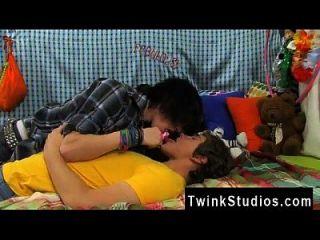 صور الجنس مثلي الجنس كامل الجسم باكستان جوش بنسان غير نوع من المتأنق أكل.