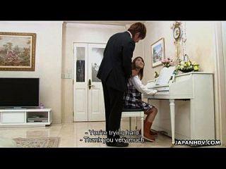 البيانو اللعب في سن المراهقة جيست إلى مص له جلد الناي