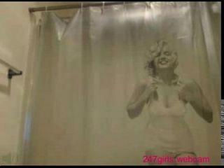 فتاة ماستروباتينغ على حدبة 247girls.webcam