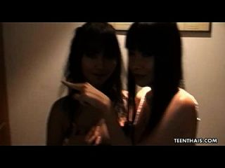 التايلاندية وقحة يحصل مارس الجنس و هي فاسيليزد