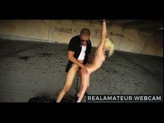 صغيرة لطيف شقراء تعادل و مارس الجنس أكثر في www.realamateur.webcam