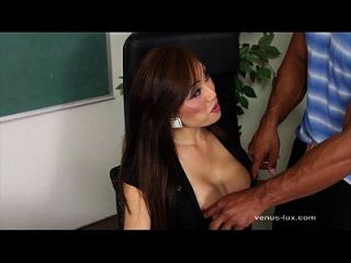 فينوس لوكس يحصل قصفت من قبل طالبها