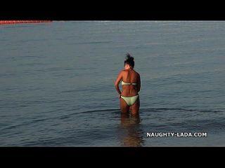 ملابس السباحة بلدي هو مجرد عندما الرطب