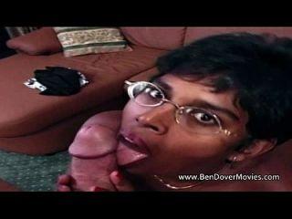 شرجي ل الهندي الطالب الذي يذاكر كثيرا