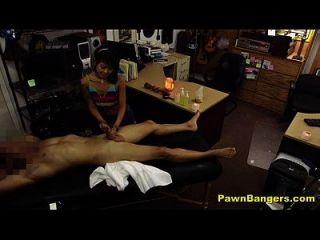 مدير متجر الملاعين الساخنة الآسيوية مدلكة