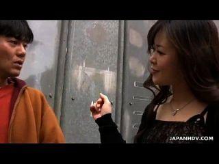 الآسيوية وقحة يحصل مارس الجنس و هي لعبة مارس الجنس أيضا