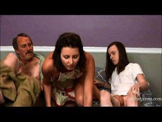 المحرمات أسرار # 9 (الأم يحتاج أكثر)|mfhotmom.com