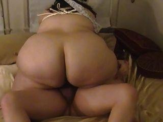 زوجة الدهون تمتص والملاعين مع الثدي قيدوا