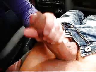 بون branleuse!hanjob اللسان في السيارة التي كتبها الصبارة