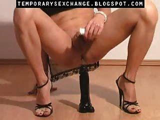 تأنيث الجسم من الذكور والقدمين في sexchange مؤقتة